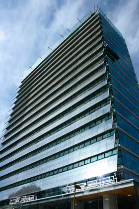 EDIFICIO DE OFICINAS ENRIQUE FOSTER